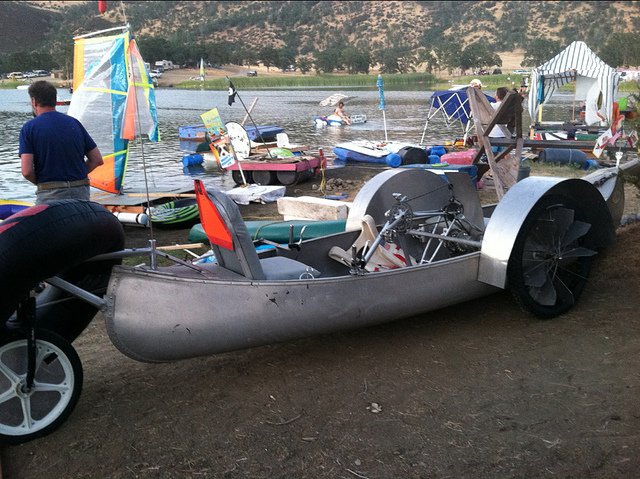 Slouchcycles / Cyclecide pedal-powered canoe