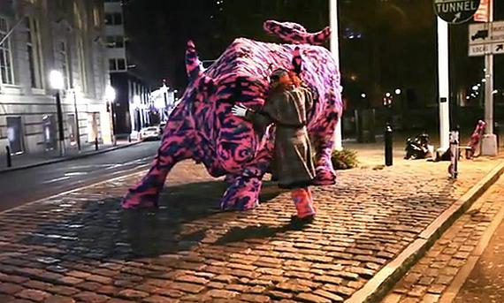 via http://www.freshnessmag.com/2011/01/10/agata-olek-%E2%80%93-wall-street-bull-sculpture-crocheted-video/