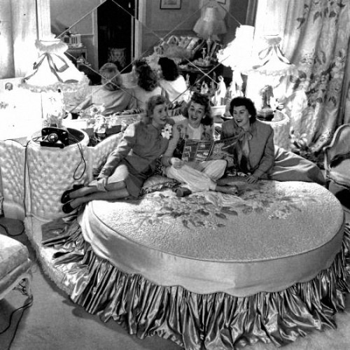 yes please, can we have an elegant slumber party with the andrews sisters thank you